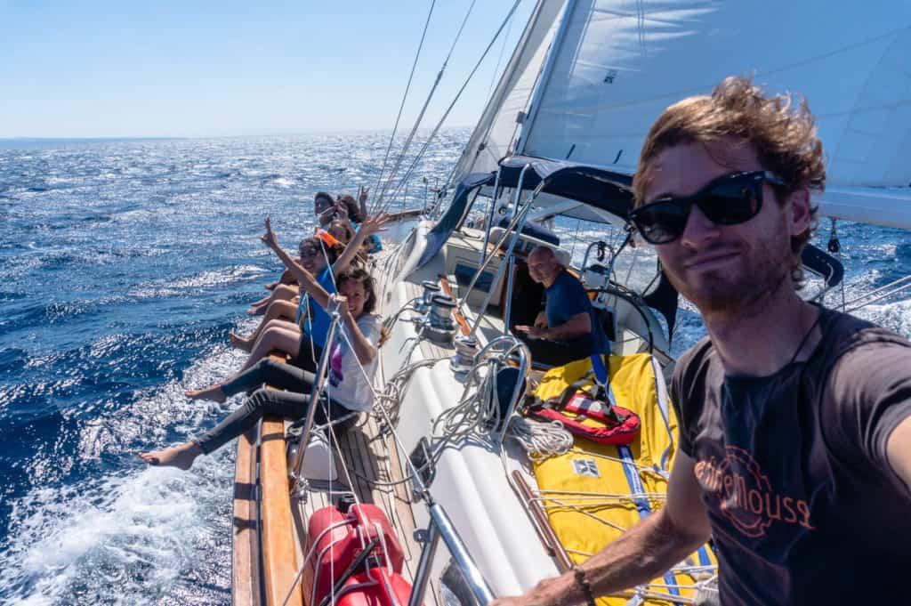 backpacking Jul&Gaux SerialHikers stop autostop world tour hitchhiking aventure adventure alternative travel voyage volontariat volonteering voilier bateau