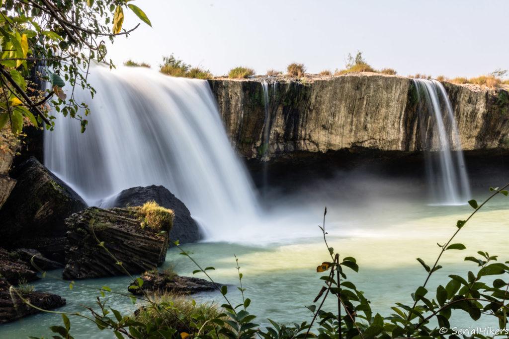 SerialHikers stop autostop world monde tour hitchhiking aventure adventure alternative travel voyage sans avion no fly vietnam dray nur waterfalls cascade