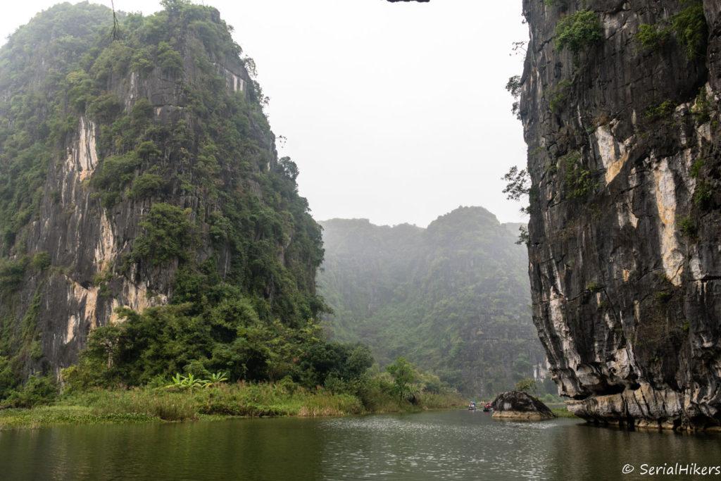 backpacking Jul&Gaux SerialHikers stop autostop world tour hitchhiking aventure adventure alternative travel voyage volontariat volonteering vietnam ninh binh tam coc halong terrestre