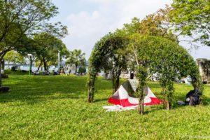 SerialHikers stop autostop world monde tour hitchhiking aventure adventure alternative travel voyage sans avion no fly vietnam hue fete Tet camping parc